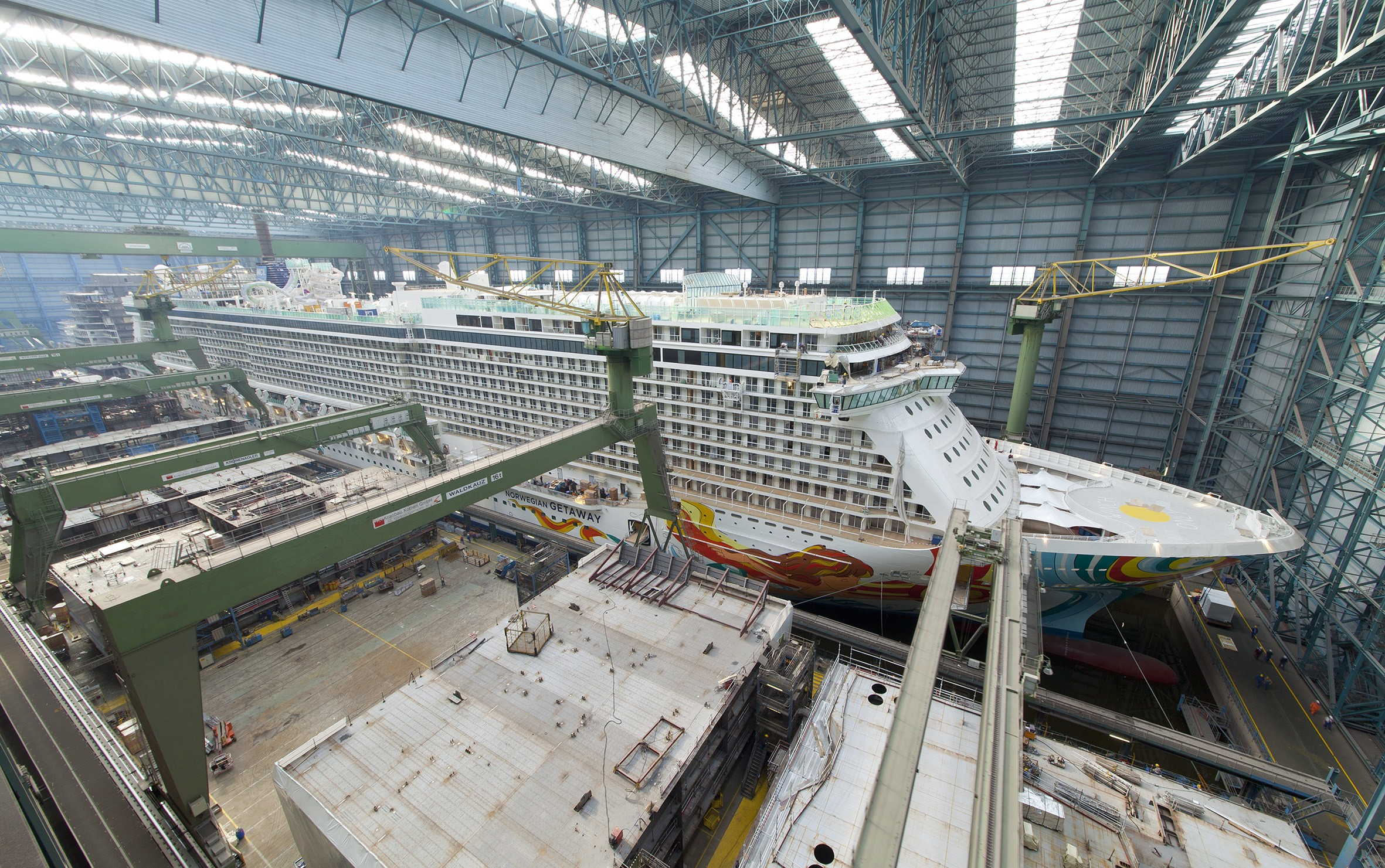 Norwegian breakaway larger than getaway cruiseind for Ncl getaway