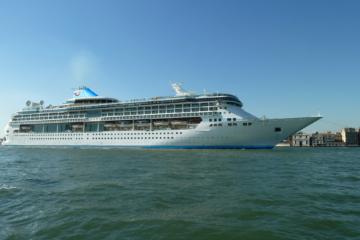 splendour of the seas TUI Cruises Thomson cruises Thomson Discovery